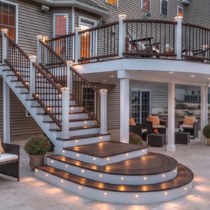 Красивое декорирование ступеней, что понравятся и станут просто находкой для украшения двора.