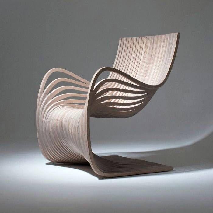 Отличный и стильный стул в деревянном исполнении.