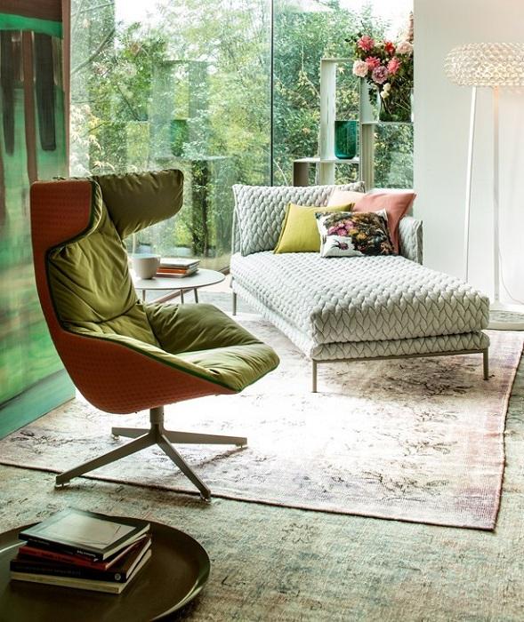 Отличный декор комнаты с помощью современных кресел, которые дополнят интерьер.