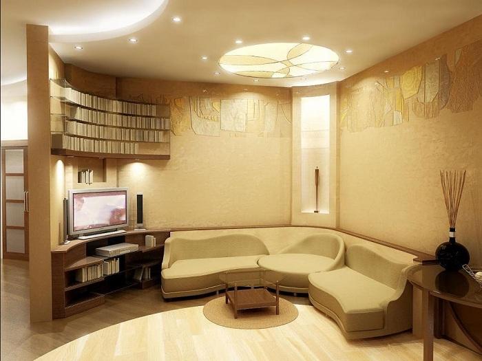Полукруглая гостиная создаёт интимную атмосферу для общения.