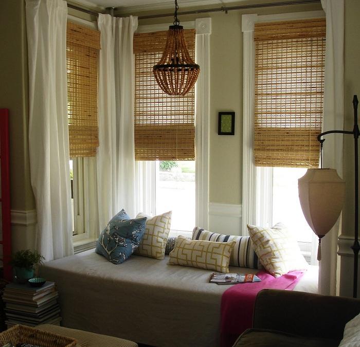 Уютный window seat позволит по-настоящему отдохнуть от всех дел и проблем.
