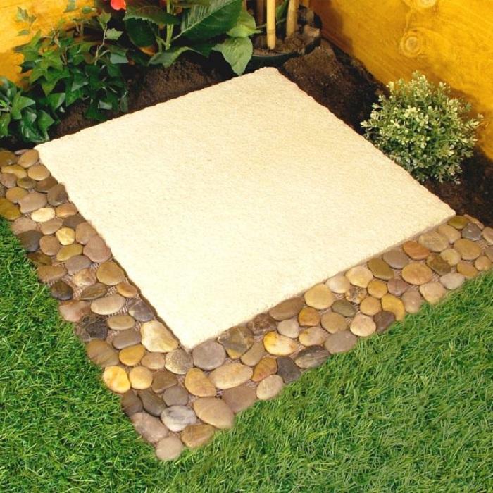 Красивая кладка, которая украсит любой сад или место у дома.