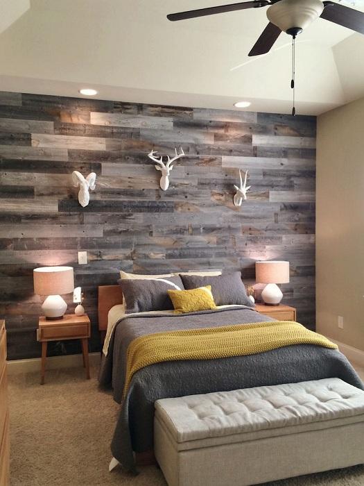 Хорошенький вариант облагородить интерьер спальни при помощи добавления некоторых элементов, которые создадут уютную обстановку.