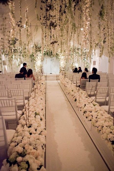 Красивое оформление свадьбы в кремовых тонах – хороший вариант для дизайна свадебного пиршества.