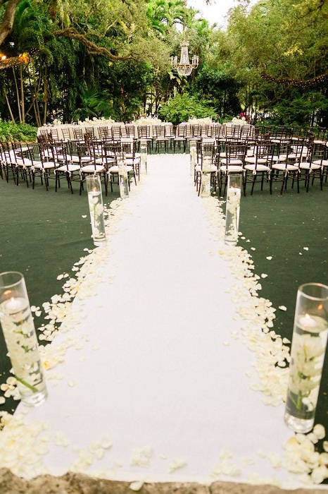 Общее оформление свадьбы зависит от любых мелочей и деталей, что подчеркивают особенности торжества.