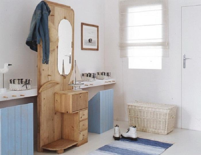 Просто отличный вариант оформления ванной комнаты при помощи различных мелких элементов интерьера.