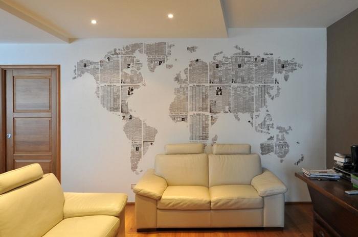 Отличное креативное решение для украшения стен в доме, создание материковой карты из старых газет.