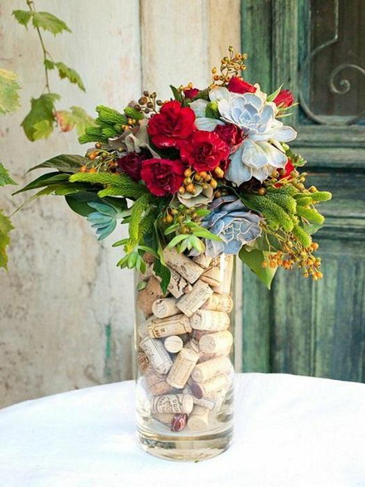 Своими руками сделать вазу из пробок