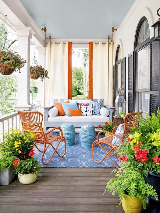 Отменный декор веранды, которая станет самым лучшим вариантом оформления пространства около дома.
