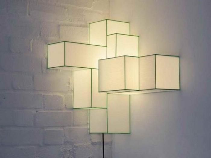Симпатичный дизайн угловой лампы, что дополнит интерьер любой комнаты.