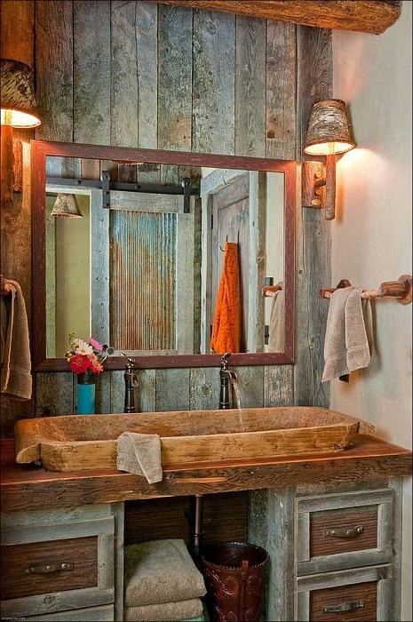 Прекрасный вариант преобразить ванную комнату оформив её в деревенском стиле.
