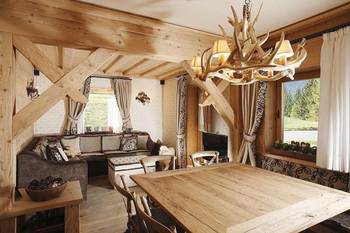Оформление интерьера в дереве - это то, что создаст в интерьере легкость и ненавязчивость.
