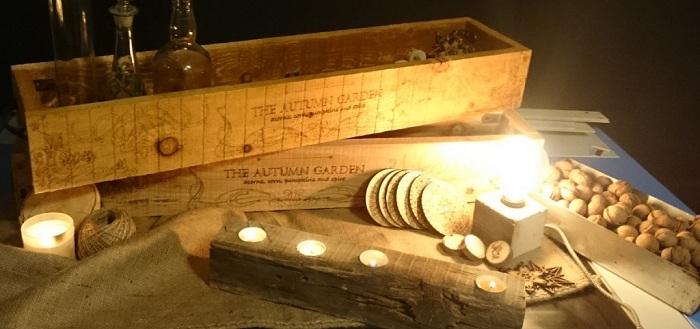 Деревянный подсвечник, который создан своими руками украсит любую комнату.
