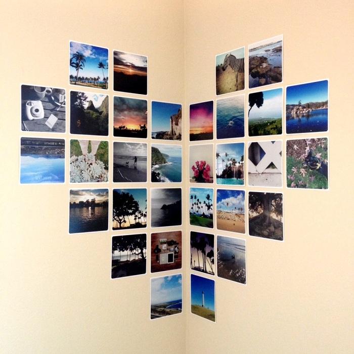 Отличный вариант оформления угла комнаты фотографиями выставленными в форме сердца.