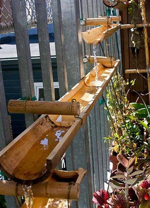 Украшение для любого сада и огорода - желобы для воды.