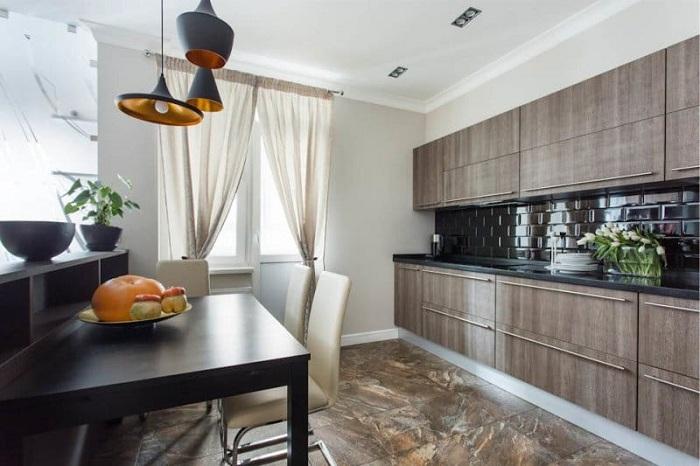 Отличное решение создать кухонную обстановку в коричневых тонах.