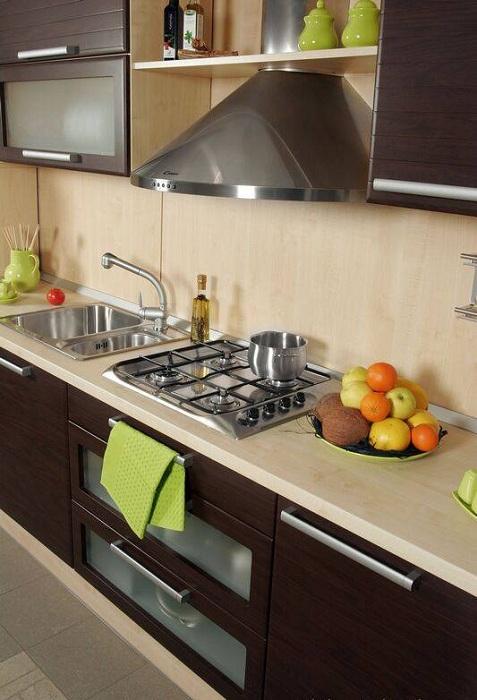 Хороший и удачный вариант создать уютную и комфортную обстановку на кухне.