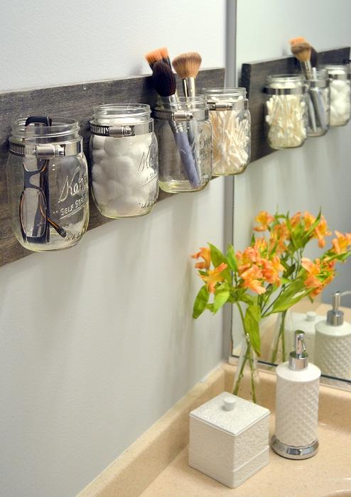 Правильное хранение вещей в ванной комнате позволит оптимизировать пространство.