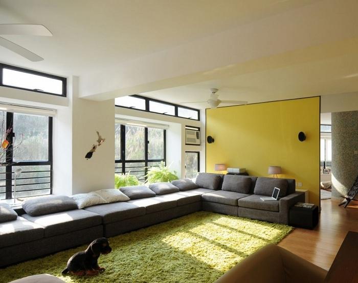 Оформление гостиной большой площади, то что понравится точно и создаст комфортное состояние и хорошее настроение.