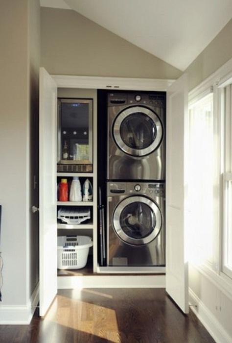 Хорошенький вариант преобразить интерьер при помощи оптимального размещения прачечной дома.
