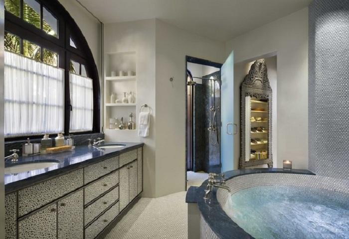 Красивое оформление ванной комнаты, что выглядит весьма стильно и прекрасно.
