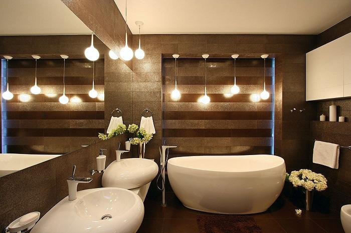 Шикарный вариант преобразить интерьер ванной комнаты и создать атмосферу в темных тонах.