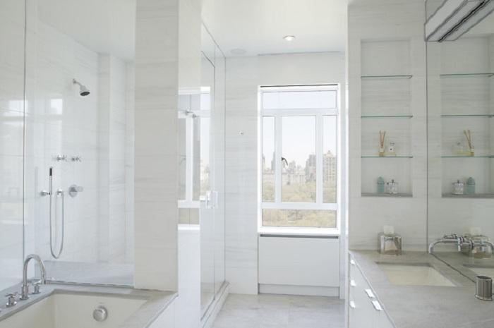 Хороший интерьер создан при помощи стильного оформления ванной комнаты, что запомнится и понравится.