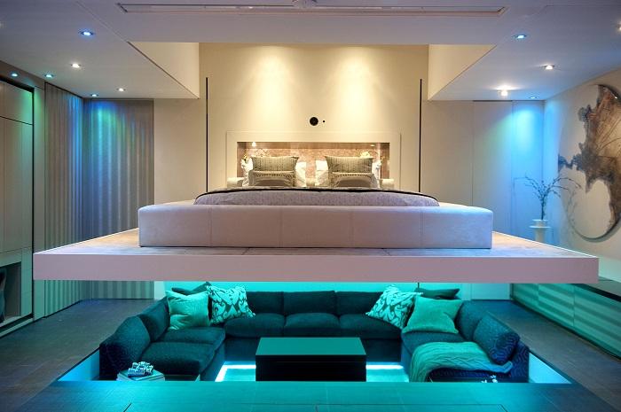 Оригинальное дизайнерское решение: зонирование комнаты с помощью света.