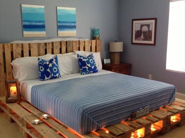 Лучшее решение удачного оформления интерьера спальной с необычной кроватью.