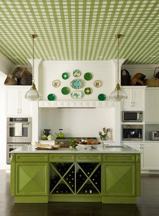 Прекрасный пример декора кухни в зеленом цвете.