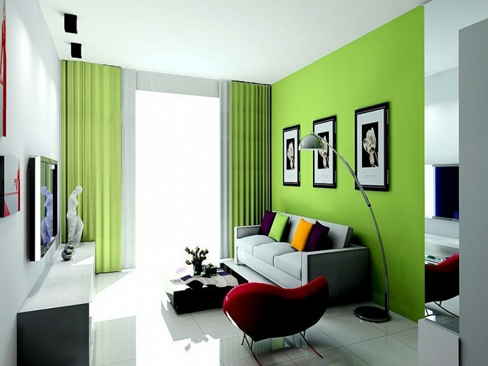 Яркое оформление акцентной стены в комнате.
