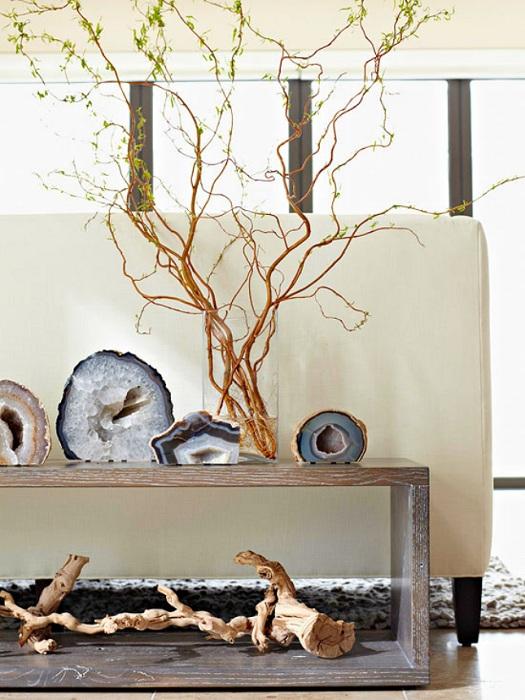 Симпатичный и отличный вариант декорирования комнат при помощи поделок различного рода для комнат.