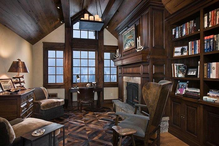 Домашний офис в деревенском стиле пропитан классическим настроением и его дизайн это подчеркивает.
