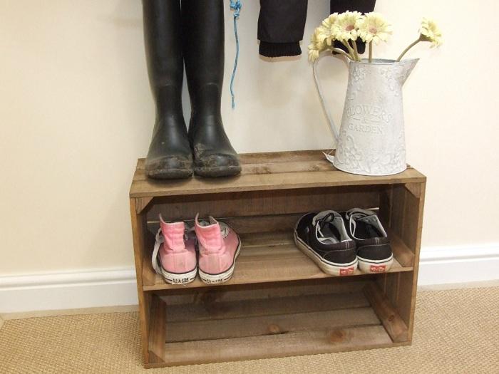 Удобная полка для хранения обуви подойдет для оптимального оформления интерьера.