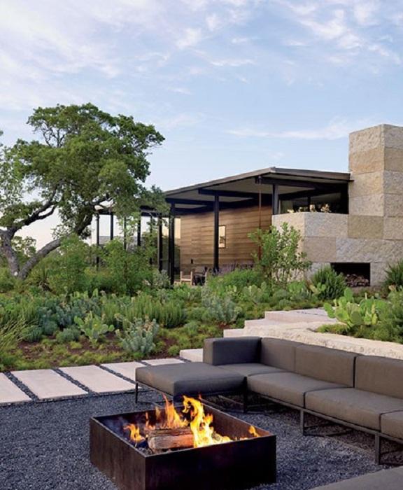 Укромное местечко около огня, которое создаст прекрасное настроение и подарит только положительные впечатления.