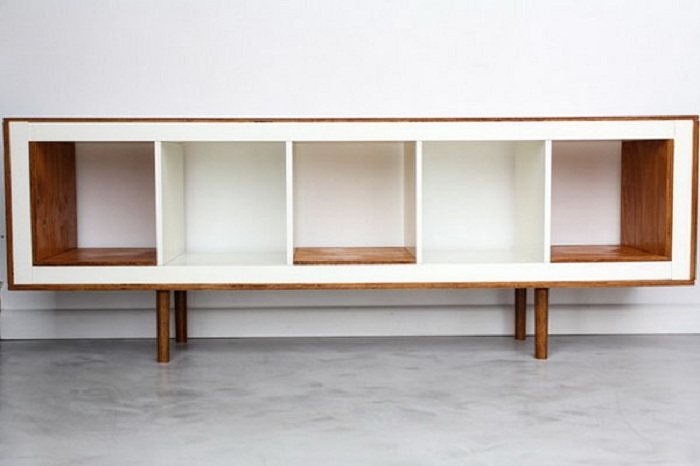 Простая и отличная подставка, которая станет просто неотъемлемым элементом декора.
