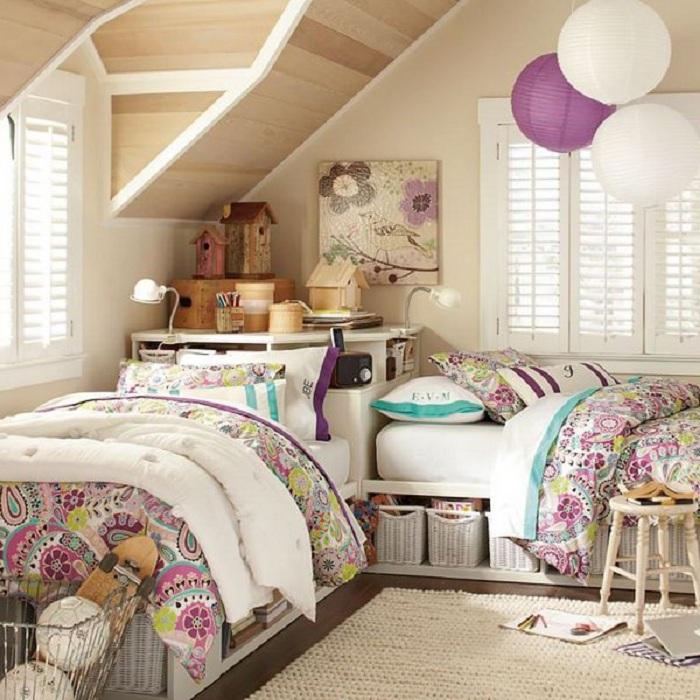 Хороший вариант хранить вещи под кроватью, то что просто и органично организует пространство комнат.