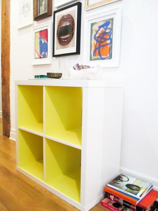 Симпатичная подставка в желтом цвете, что создаст просто яркую обстановку в любой из комнат.