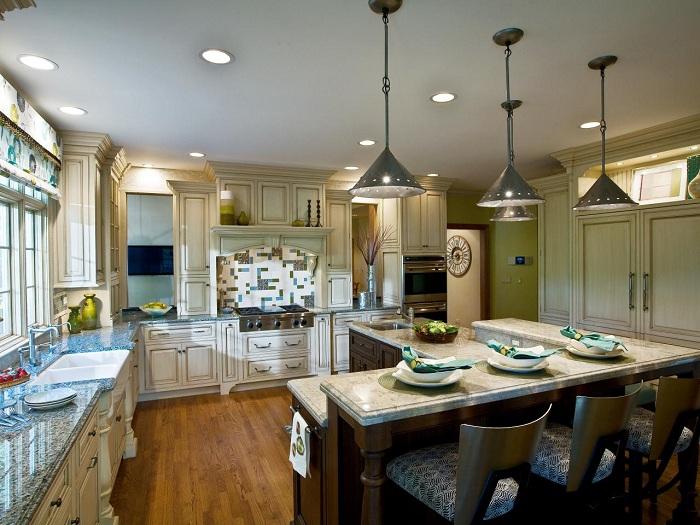 Отменный пример оформления интерьера кухни благодаря оригинальным творческим элементам.