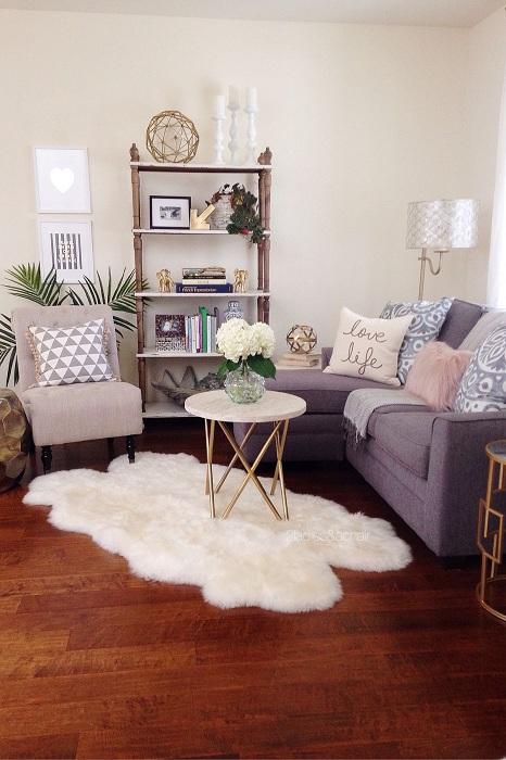 Один з кращих варіантів, так це створити затишну комфортну атмосферу в крихітній вітальні.