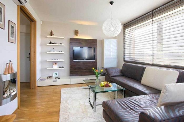 Хороший вариант обустроить интерьер гостиной с небольшой площадью.