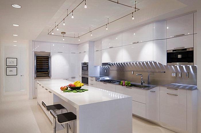 Точечный свет - лучшее решение для кухни.