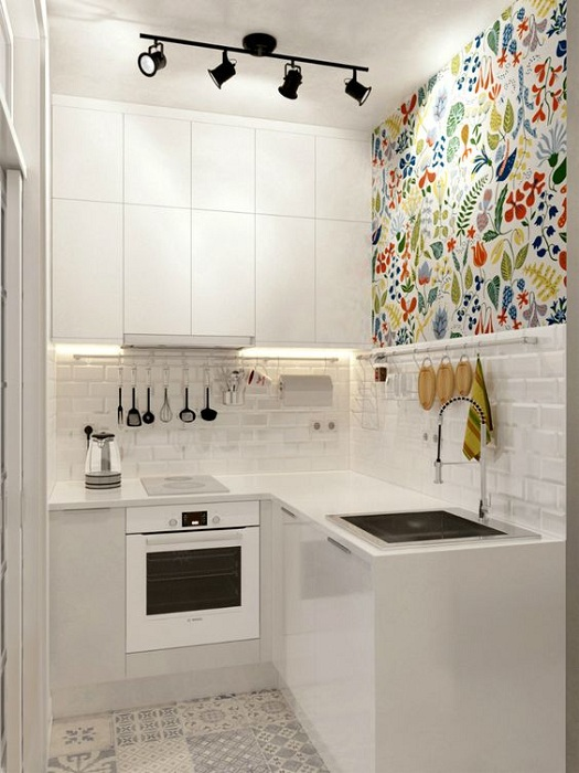 Чёрно-белое решение для маленький кухни.