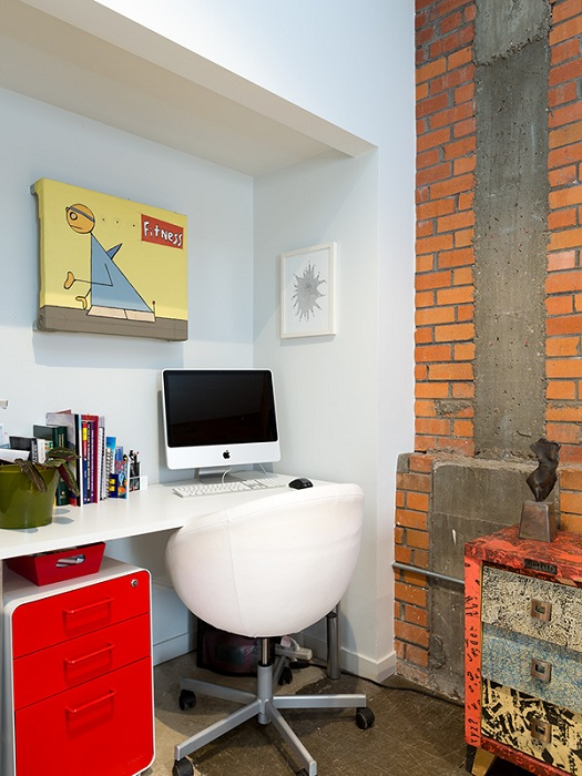 Промышленный стиль в оформлении домашнего пространства одновременно простой и нестандартный.