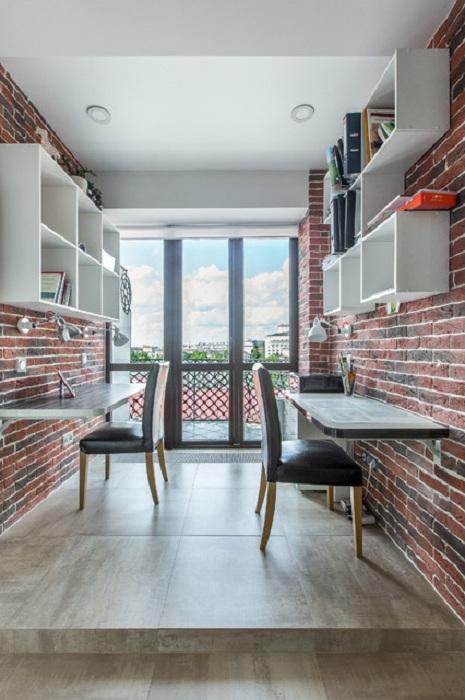 Интересное решение применить кирпичную кладку в создании отменной рабочей атмосферы в офисе дома.