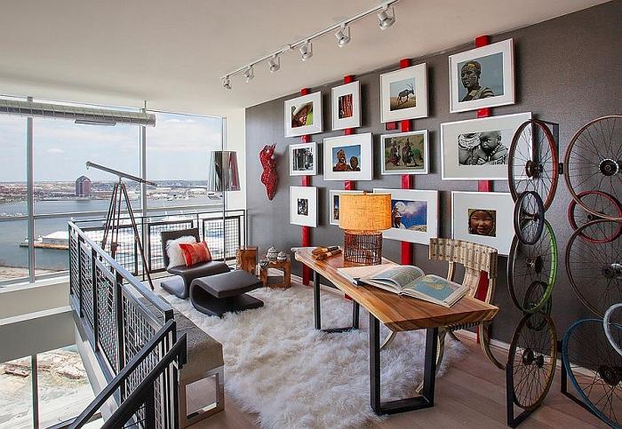 Отменный дизайн интерьера домашнего офиса в промышленном стиле.