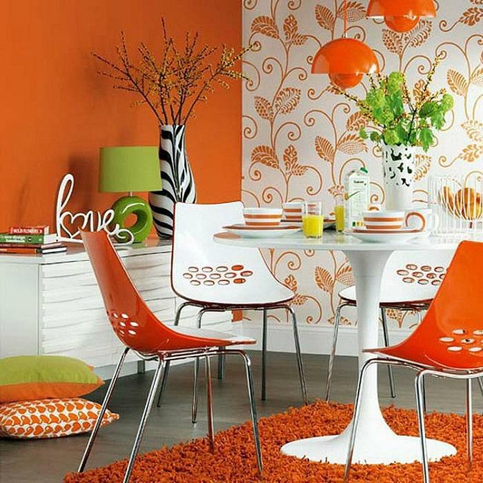 Интересный вариант оформления интерьера в ярких апельсиновых тонах, что точно понравится.