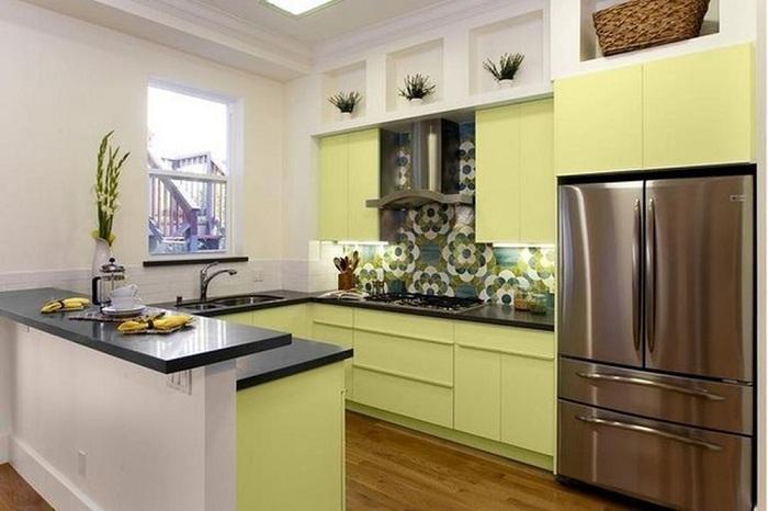 Смесь противоположных тонов в оформлении интерьера кухни даст возможность расставить свои приоритеты и акценты в рамках кухни-мечты.