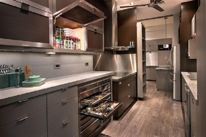 Красивое оформление кухни в серых оттенках, что понравится и станет просто красивым решением.
