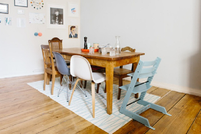 Декорирование пространства для принятия пищи, что создаст очень уютную и необычную обстановку.